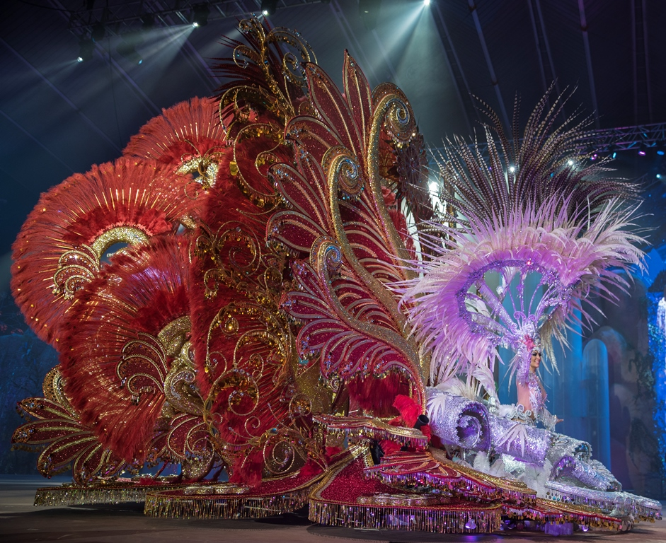 Fuentealta brilla en el Carnaval con la fuerza del Ave Fénix y la creatividad de Jorge González Santana
