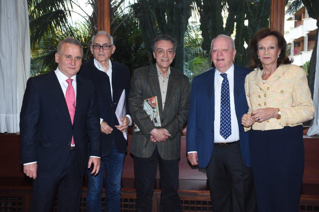 Ernesto Valcárcel participa en el ciclo 'Diálogos con los artistas' de la Real Academia Canaria de Bellas Artes y el Hotel Botánico