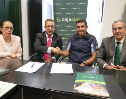 Renovado el convenio entre Cajasiete y la Asociación insular profesional de La Gomera
