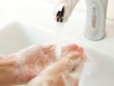 Hospiten afirma que una correcta hidratación evita irritaciones por el uso de geles hidroalcohólicos